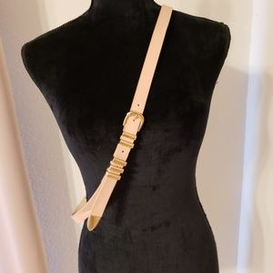 Accessories - NWOT pink and gold belt